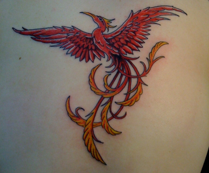diseños de tatuajes que signifiquen fuerza y superacion en colores, tatuaje fenix en colores acuarela, tatuajes simbolicos