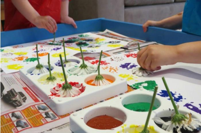 como dibujar con flores y pintura, manualidades para niños de 6 a 12 años super divertidas, ejemplos interesantes de pequeocio