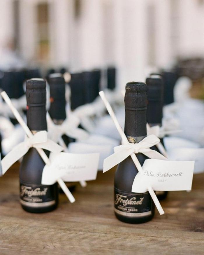 botellas de champán personalizadas para los invitados de tu boda, detalles de boda originales, bebidas y golosinas