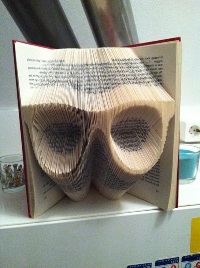 libro decorativo con figuras de animales, ideas sobre cómo hacer animales de papel, libro de artista original con forma de búho