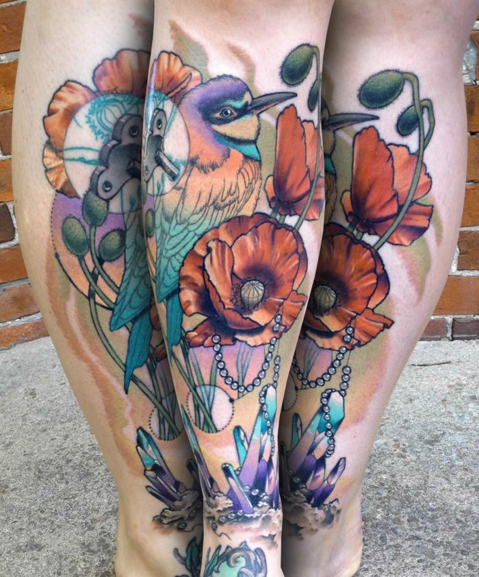 tatuajes en colores en el antebrazo, tatuajes de aves con significado, ideas de tattoos coloridos en pintura acuarela