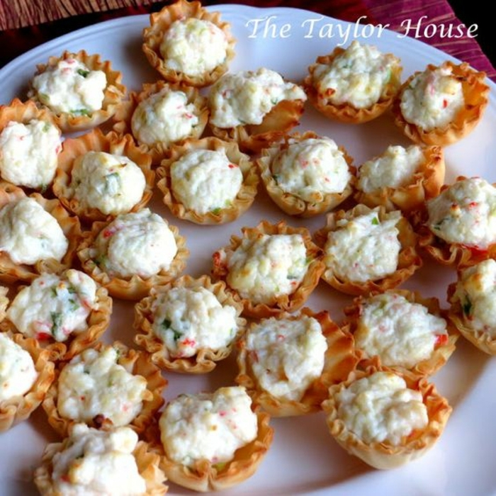 canapés caseros super ricos con huevos y yogur, canapes sencillos para hacer en casa, ideas de recetas de entrantes y tapas
