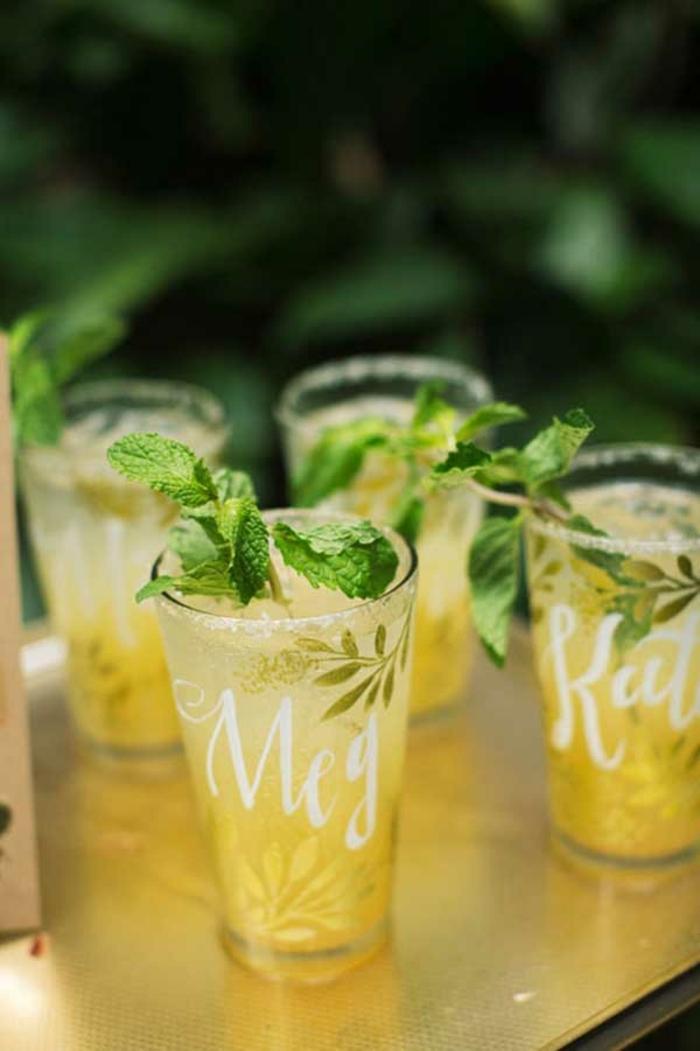 ideas originales para bodas de verano, bebidas refrescantes para las bodas de verano, detalles de boda baratos y atractivos