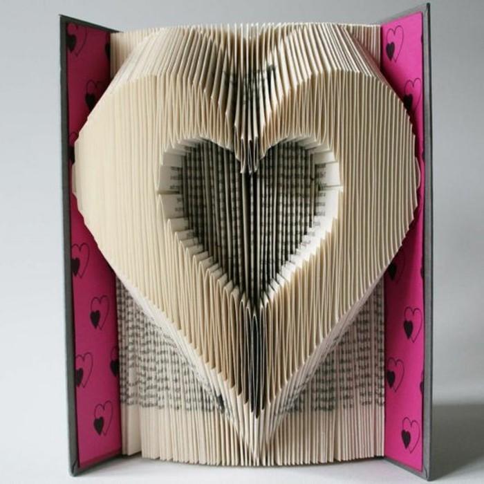 precioso corazón tridimensional hecho de papel, manualidades de papel originales con tutoriales en videos paso a paso
