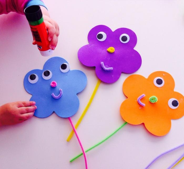 como hacer manualidades de goma Eva divertidas, manualidades sencillas para niños, flores de goma Eva hechos a mano