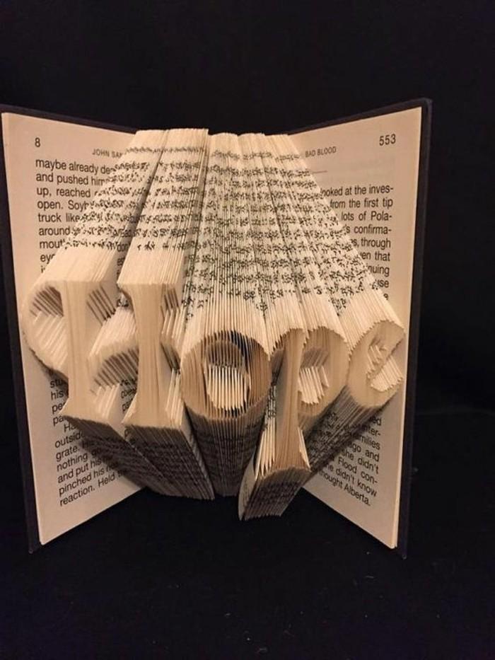 como hacer manualidades con papel creativas, plegar libros para hacer detalles decorativos para la casa paso a paso