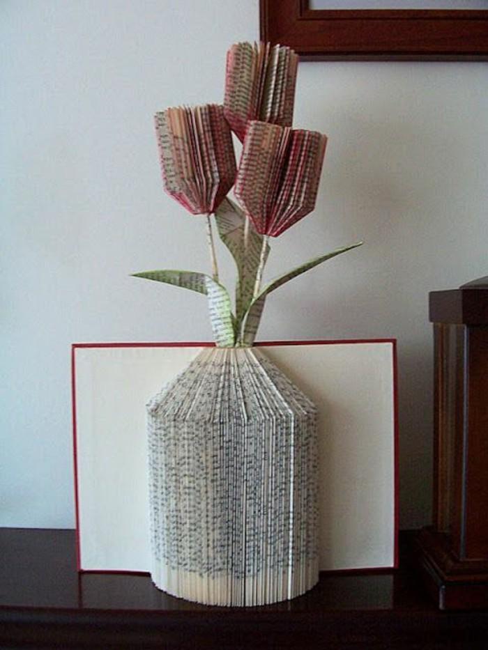 como hacer flores de papel, ideas de como hacer manualidades con papel, ejemplos de proyectos de arte con papel