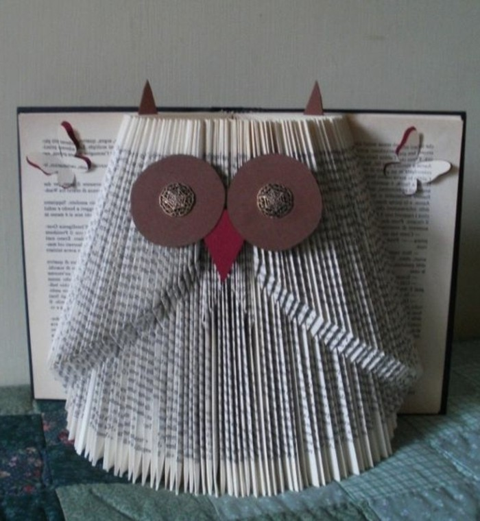 búho de papel original, ideas creativas de plegado de libros, buho decorativo para decorar tu casa