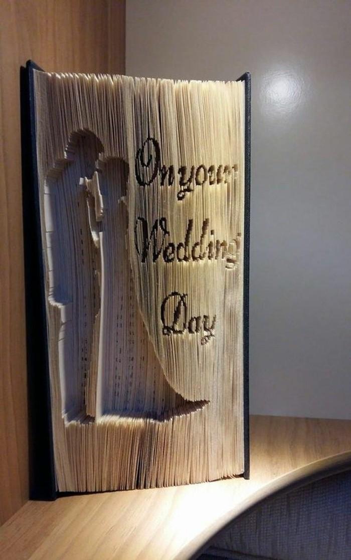 geniales ideas de regalos para bodas originales, regalos hechos a mano, las mejores propuestas de libro pop up
