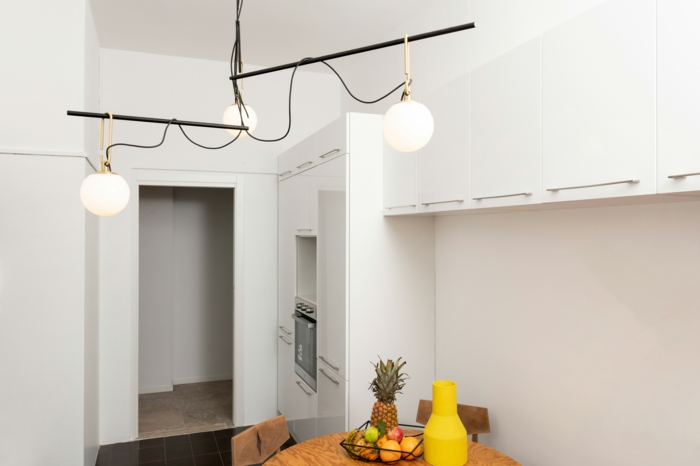 cuáles son las últimas tendencias en lámparas de techo para salón y comedor, lámparas colgantes color blanco de diseño