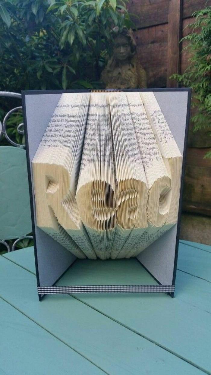 plegado de libro original, libro pop up con la técnica de origami, ideas de regalos hechos a mano simbolicos