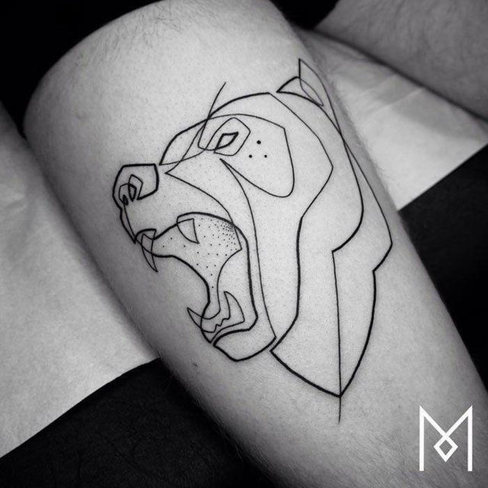 tattoos lineales originales, tatuaje león con una sola línea contínua, tatuajes brazo hombre originales fotos de tatoos