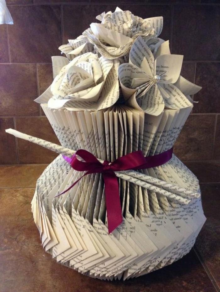 como hacer manualidades de papel, flores de papel originales y bonitas, fotos de decoracion con plegado de hojas