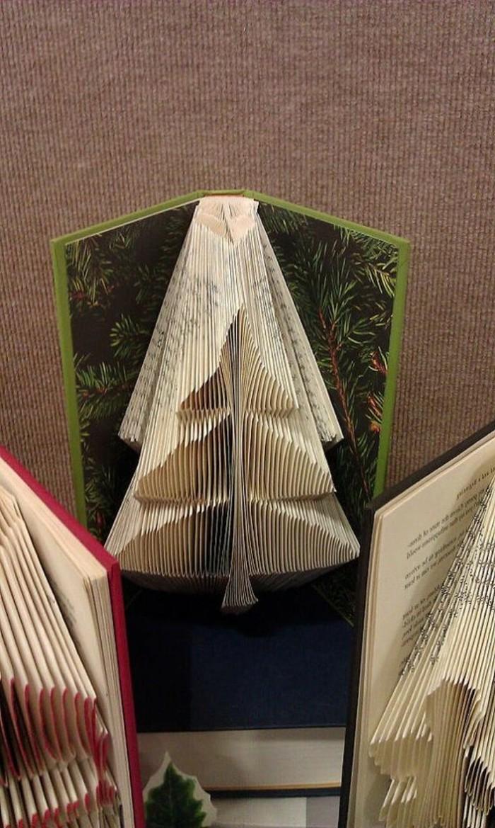 ideas de manualidades de navidad unicas, libro con plegado para regalar en navidad, árboles de Navidad de papel