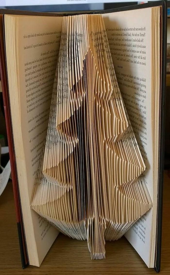 libro con origami, super originales ideas de regalos DIY con plegado, fotos de árbol hecho de papel