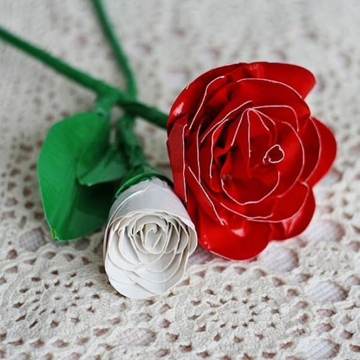 flores de cartulina DIY, ideas de regalos profesoras infantil, qué regalar a la maestra de tu crío en la escuela o guardería