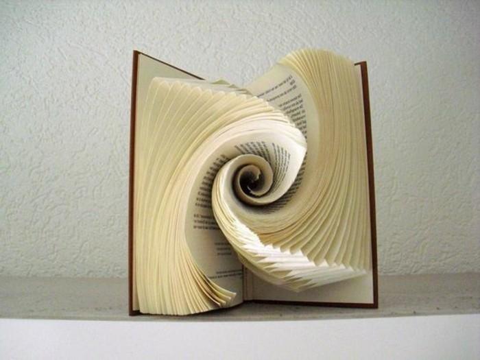 las mejores propuestas de decoración con papel origami y libros con paginas plegadas, obras de arte de papel