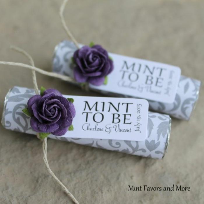caramelos personalizados para regalar en tu boda, ideas de regalos unicos para hombres y mujeres, caramelos adornados de flores