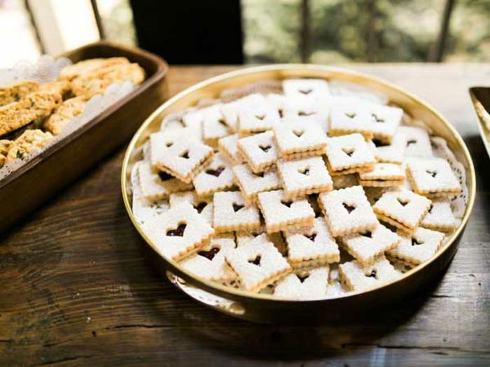 galletas en forma de corazón para regalar, detalles de boda originales y ricos, golosinas y dulces para regalar a tus amigos y familiares