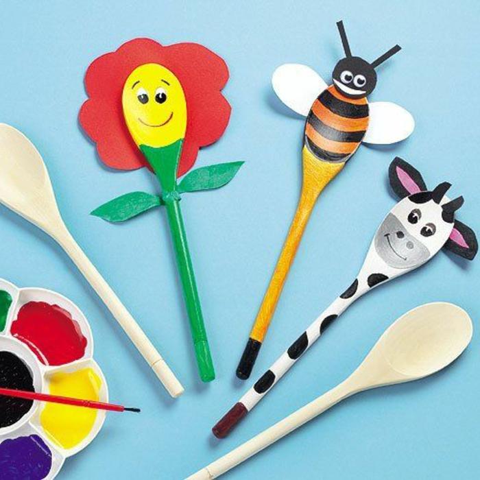 fotos de animales hechos de cucharas de plástico y madera reciclados, manualidades niños 2 años divertidos y bonitos