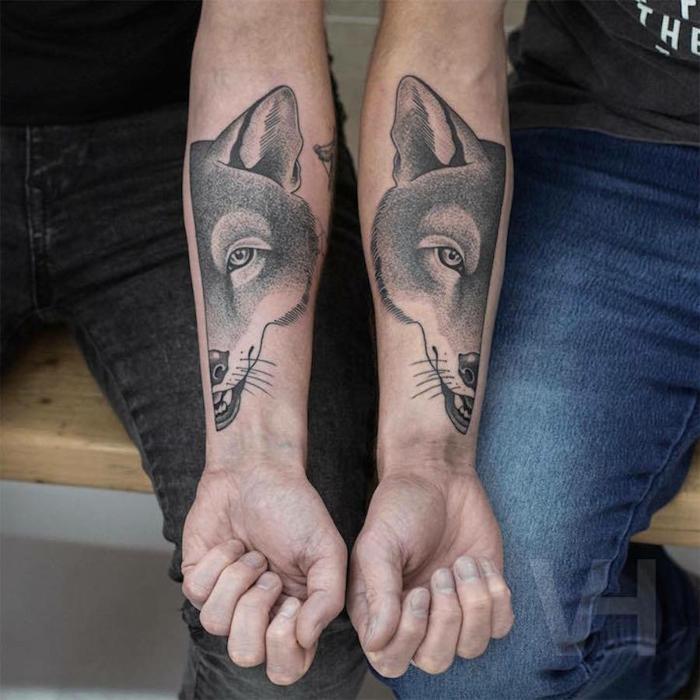 ideas de tatuajes para mejores amigos o hermanos, tatuajes lobo en el antebrazo, diseños de tattoos que signifiquen lealtad