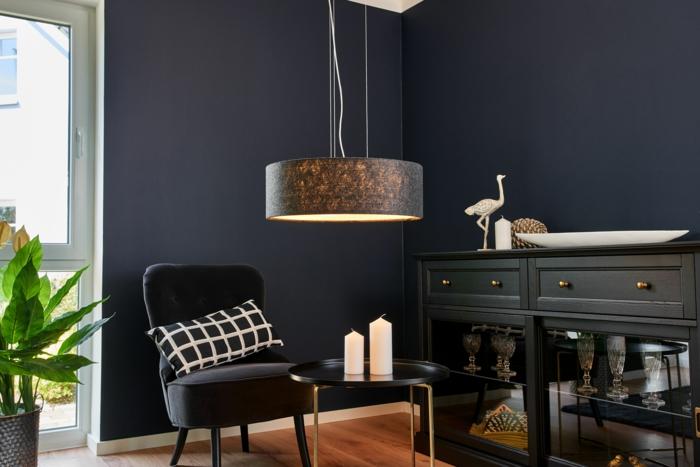 ejemplos de lámparas de techo salón modernas, lámpara colgante con mucho estilo, ambiente decorado en tonos oscuros