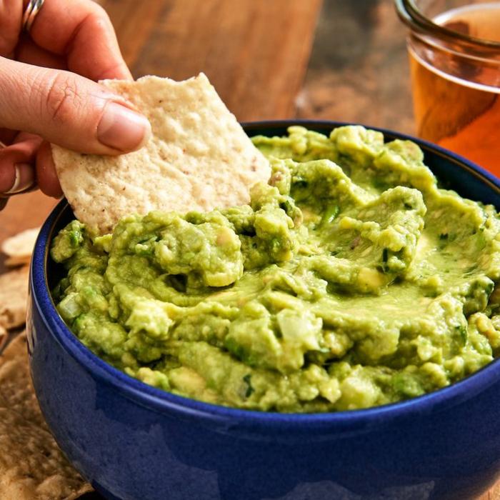 como hacer guacamole casero paso a paso, platos con aguacate super ricos y fáciles de hacer en casa, fotos de platos saludables