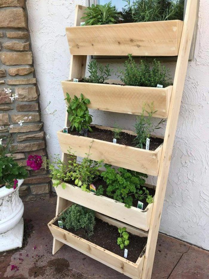 decoración patio y jardín super originales ideas de diseño de jardines verticales, decoración jardín con muebles de madera
