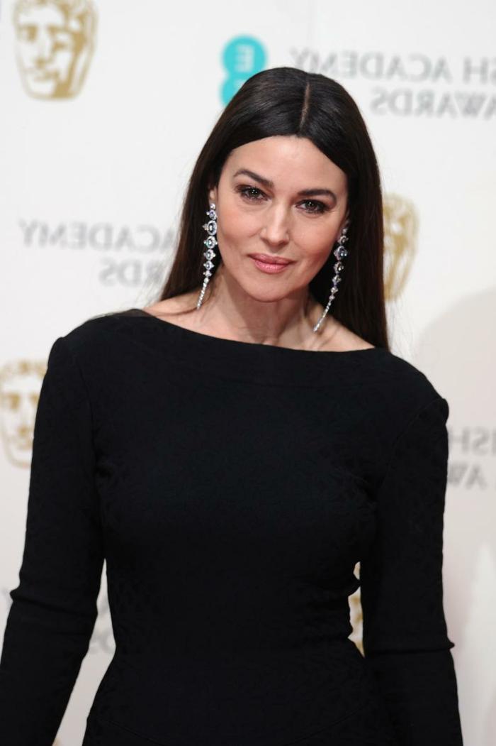 Monica Belluci con una apariencia impecable, cortes de pelo de señora modernos y bonitos, galería de imagenes de cortes de pelo