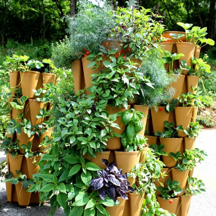 super originales ideas sobre como hacer un jardin vertical en tu jardín, macetas de forma original para tu patio, las mejores ideas para tu jardín
