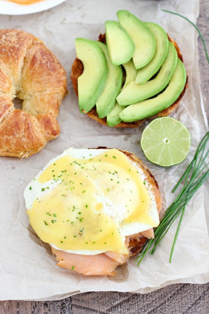 recetas de aguacate saludables, las mejores ideas de desayunos con aguacate y huevos fritos, tostadas con aguacate