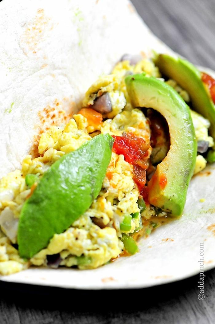 ideas sobre como preparar aguacate con huevo en fotos, las mejores ideas de platos con aguacate para cenar paso a paso