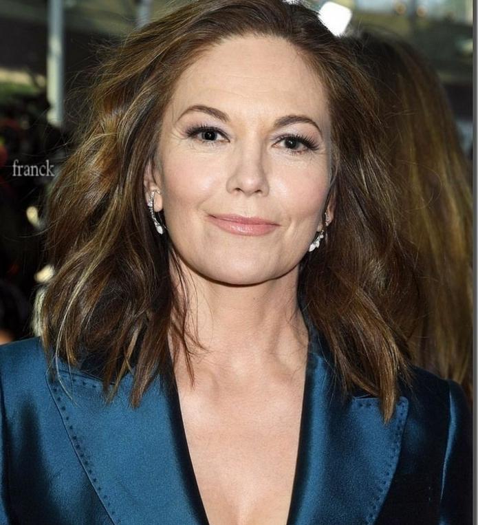 Diane Lane con media melena ondulada, ideas de cortes de pelo que rejuvenecen a los 50, cortes de pelo media melena