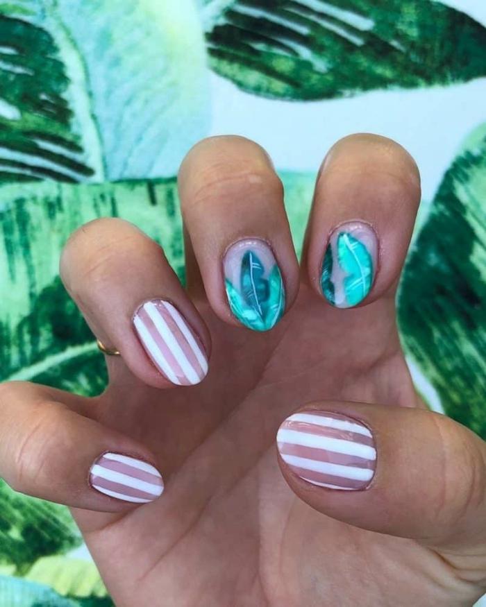 los mejores diseños de uñas para el verano, fotos de uñas de gel, uñas decoradas con rayas blancas y motivos botánicos