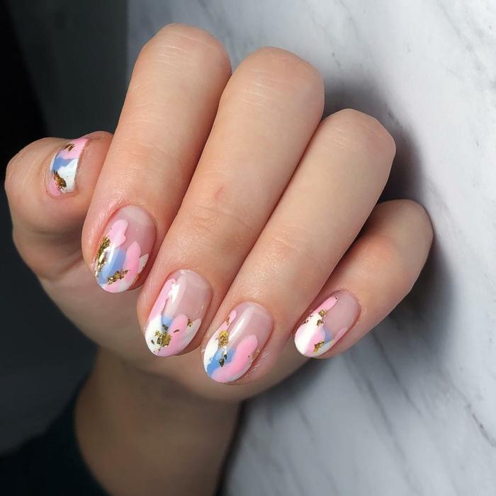 los mejores diseños de uñas esta temporada, modelos de uñas de gel bonitos, uñas francesas con manchas de colores pastel