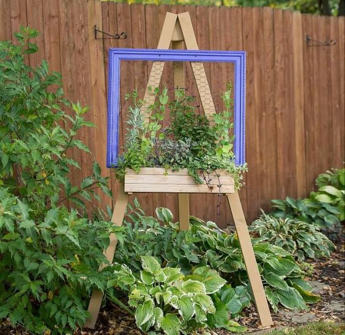 como hacer un pequeño jardín vertical con tripode de madera, jardin vertical interior y exterior, ideas para decorar el jardín