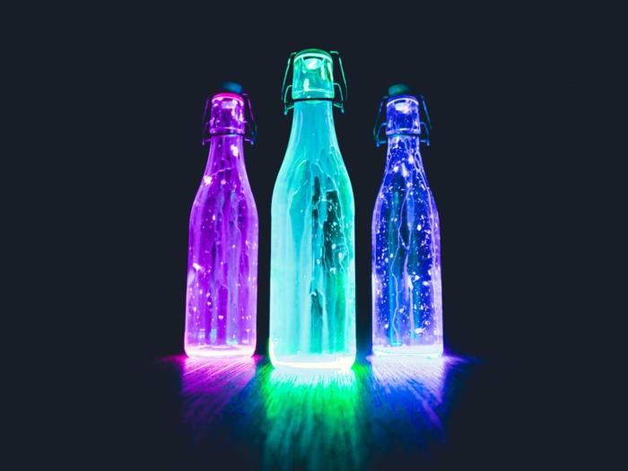 botellas con luces fluorescentes, fondos bonitos y originales para poner en tu portátil o teléfono móvil, originales fotografías