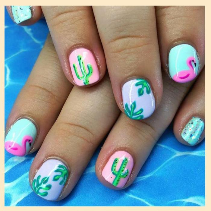 uñas de gel bonitas con dibujos veraniegos, uñas pintadas en rosado y azul con decorados florales, dibujos en las uñas
