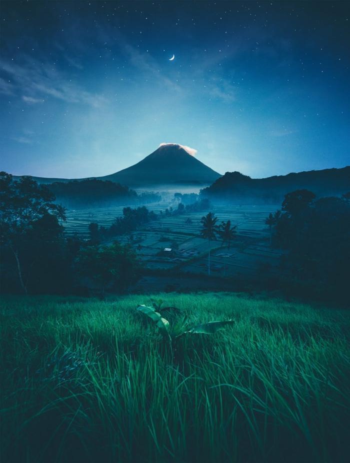 super bonito paisaje montañoso durante la noche, fotografías de naturaleza que inspiran, imagenes de paisajes para descargar