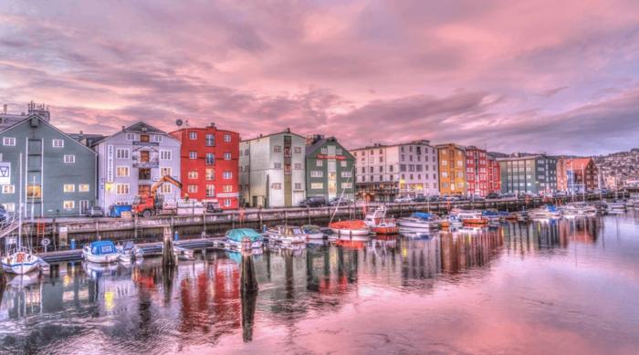 edificios bonitos en colores, fotografías urbanas con monumentos arquitectónicos bonitos, fotos para fondos de pantalla