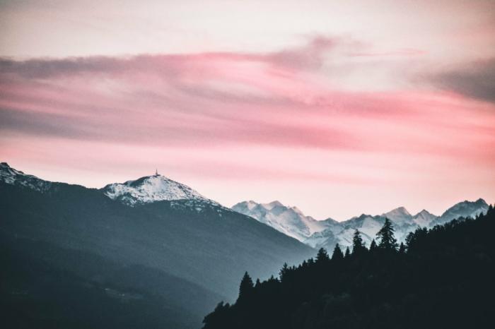 paisajes montañosos que inspiran, las mejores ideas de paisajes de montaña para descargar y poner en la pantalla de tu dispositivo