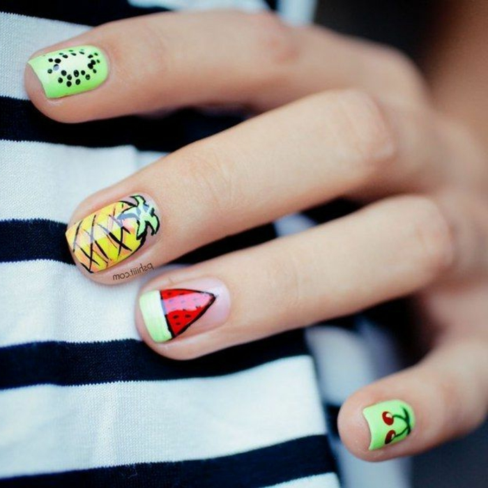 preciosas ideas de uñas con decoraciones veraniegas, uñas de gel 2019, uñas pintadas en colores vibrantes con dibujos
