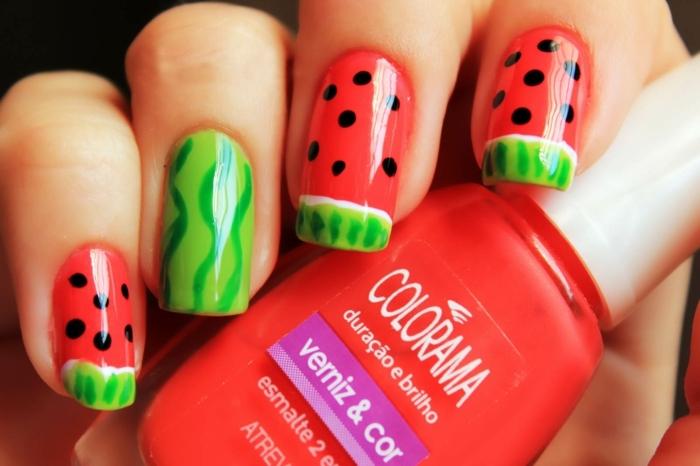 super originales modelos de uñas de gel 2019, uñas largas de puntas cuadradas pintadas en verde y rojo, decoración para uñas