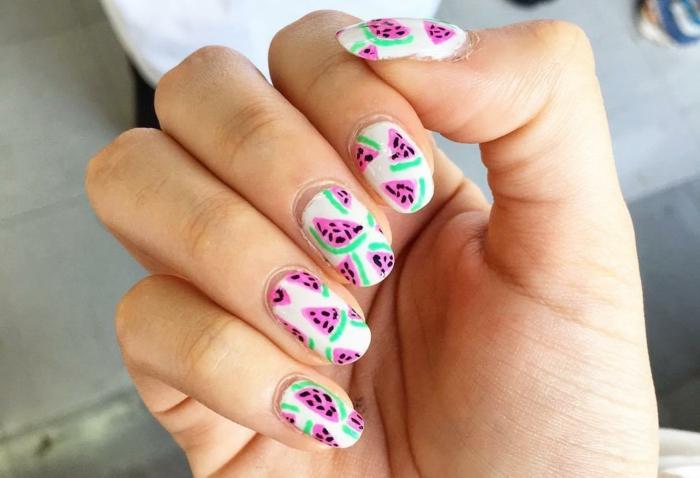 preciosos diseños de uñas para el verano, motivos decorativos de uñas en colores, ideas de uñas de gel decoradas
