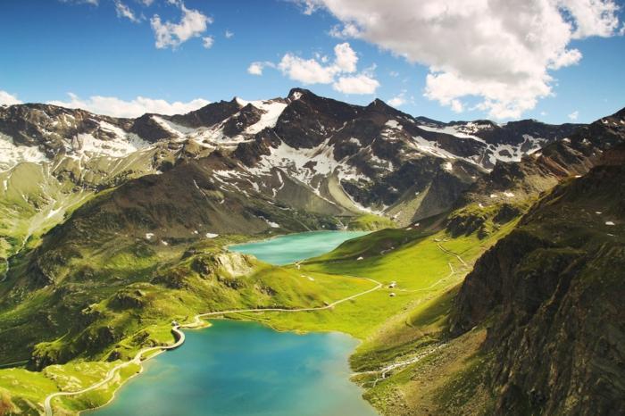 preciosas imagines para descargar en tu ordenador, paisaje montañoso verde, adorables imagenes de paisajes para descargar
