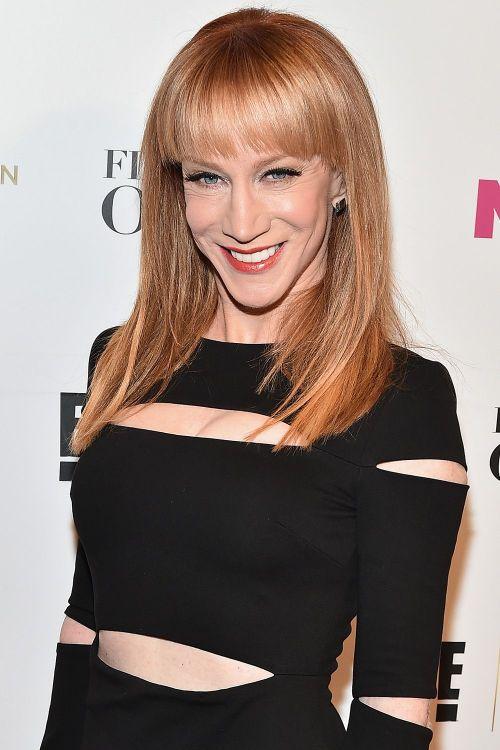 corte de pelo para mujeres de 50 años cara triangular, bonito peinado pelo largo con flequillo recto, fotos de celebridades