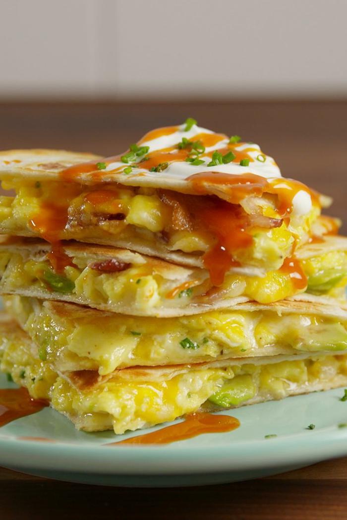 quesadillas ricas con aguacate, recetas de comidas para el verano en bonitas imagenes, fotos de comidas con aguacate