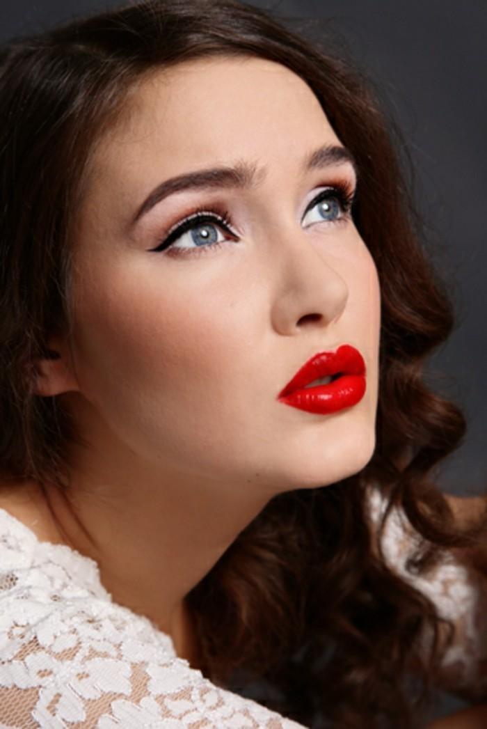 fotos de peinados pelo suelto mujer, rizos en el pelo, peinados años 50 originales en fotos, maquillaje pin up con labios en rojo