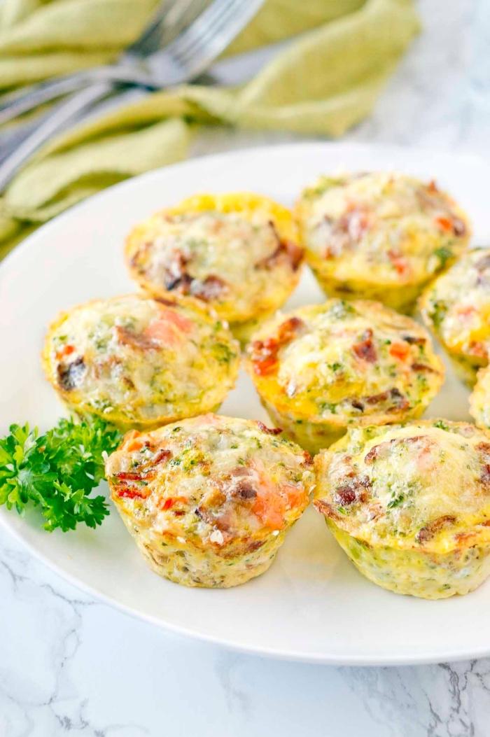 irresistibles magdalenas de huevos y tomate para hacer en media hora, que es un brunch ideas en imágenes, recetas ricas y fáciles