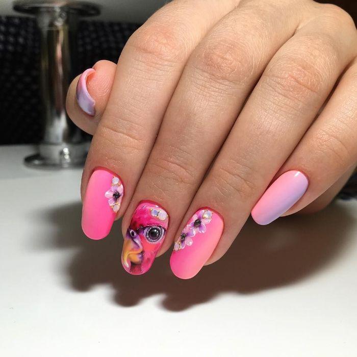 hermosos ejemplos de dibujos en las uñas, uñas largas pintadas en colores vibrantes, diseños de uñas para el verano